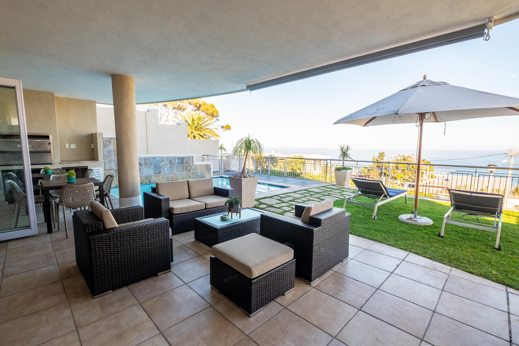 3 On Camps Bay - Common Pool area