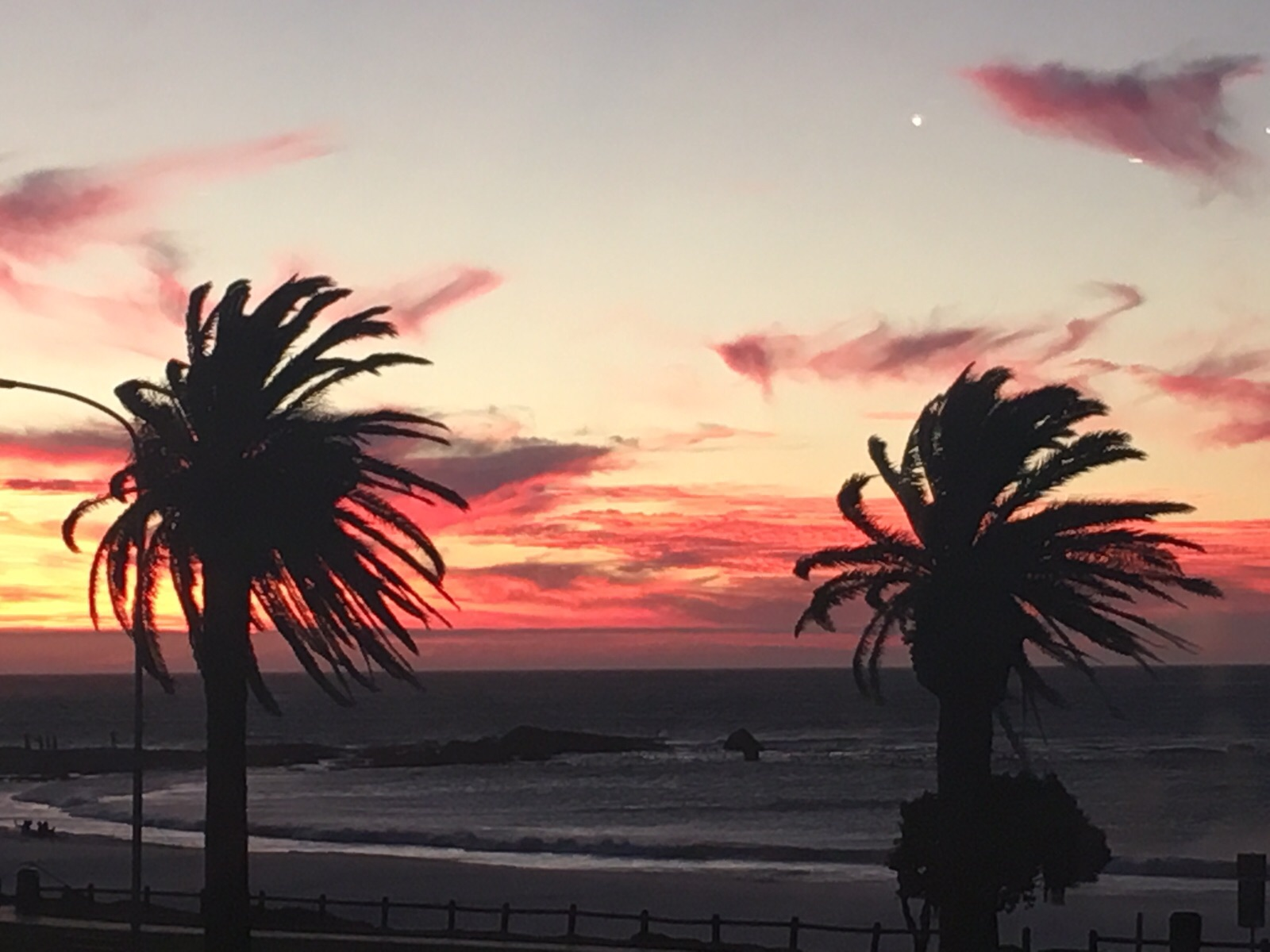 3 On Camps Bay - The Strip Sunset View